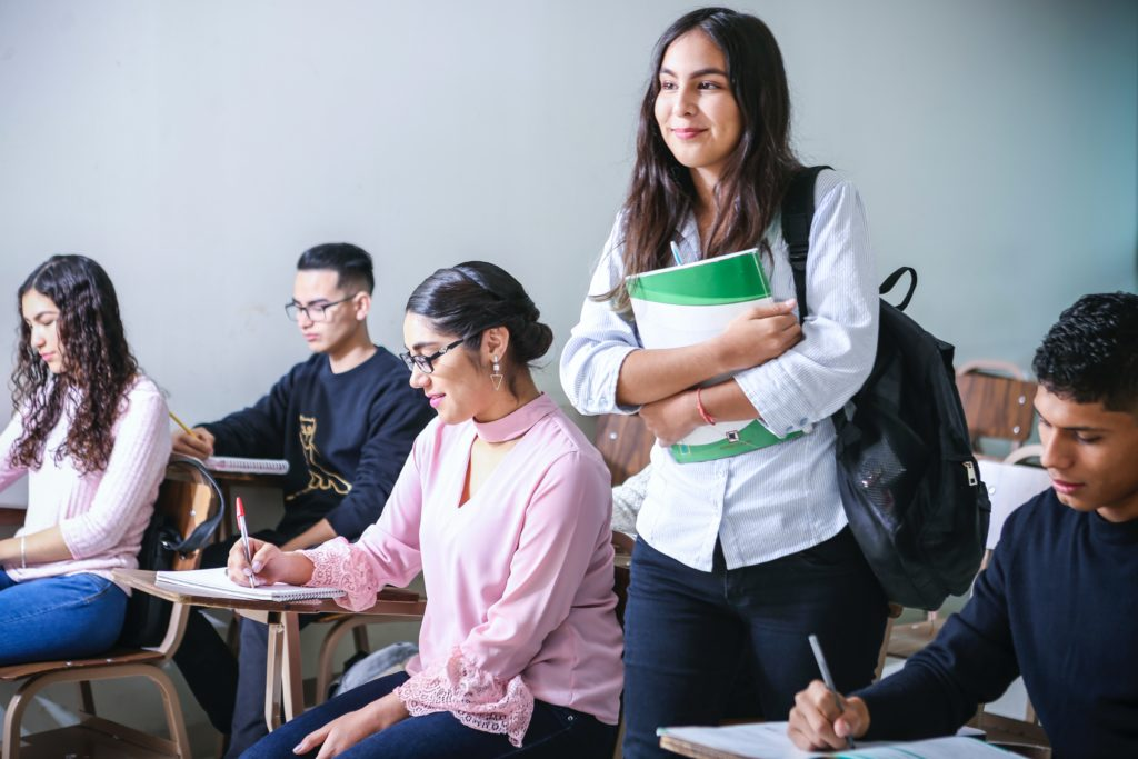 get students through social networks